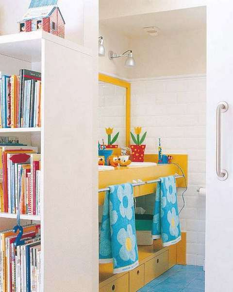 Brightly coloured bathroom decor