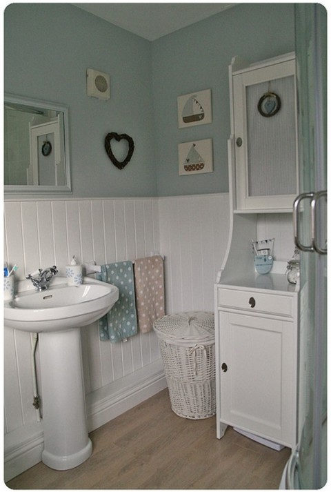 Freshen up your bathroom with simple ideas