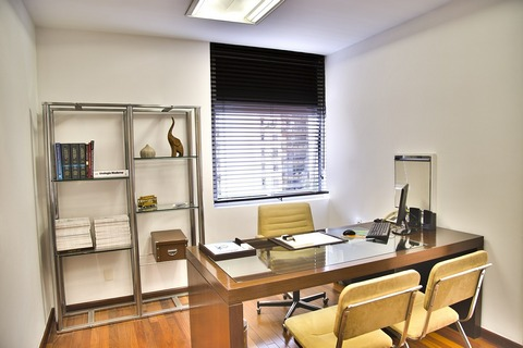 Home office space modern look