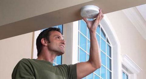 Checking smoke detector