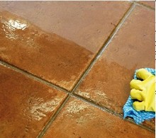 Cleaning floor tiles