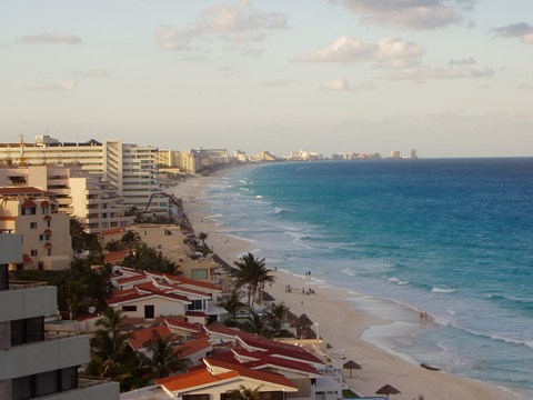 Beachfront resorts in Cancun